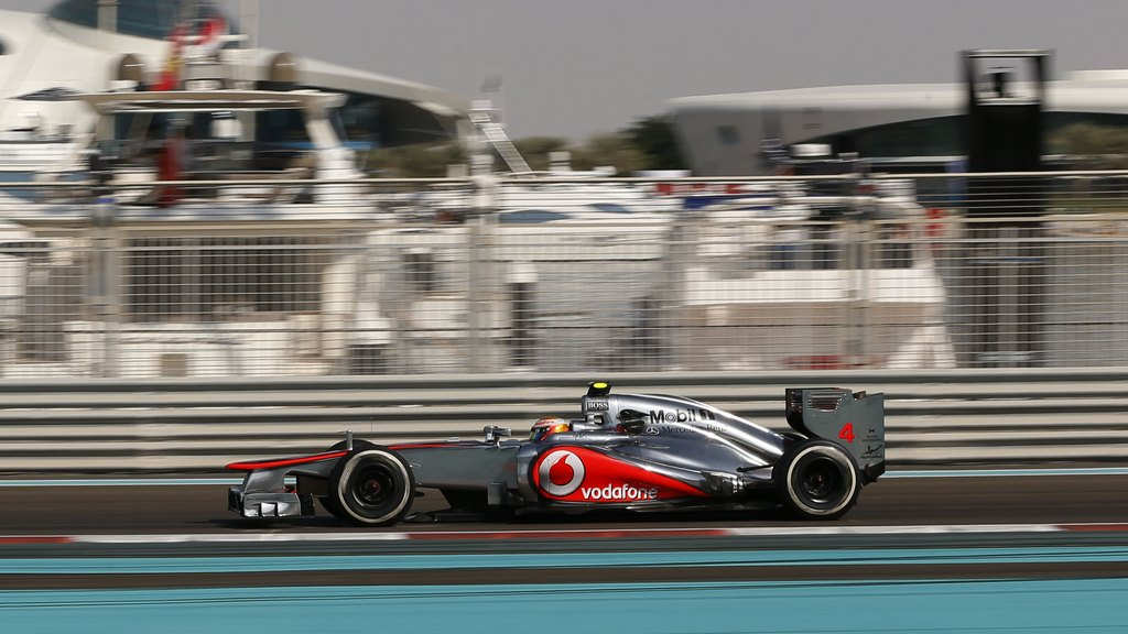 Formula1 Lewis Hamilton Sets Blistering Pace To Take Pole Position For Mclaren In Abu -7831