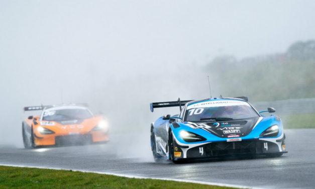 GT: Bahrain's 2 Seas Motorsport claimsmaiden British GT Championship victory at Snetterton