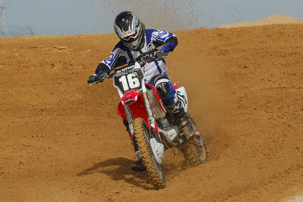 Desert Challenge 2011: Young rider Brittany Erasmus spearheads female charge on Western Region terrain in Abu Dhabi