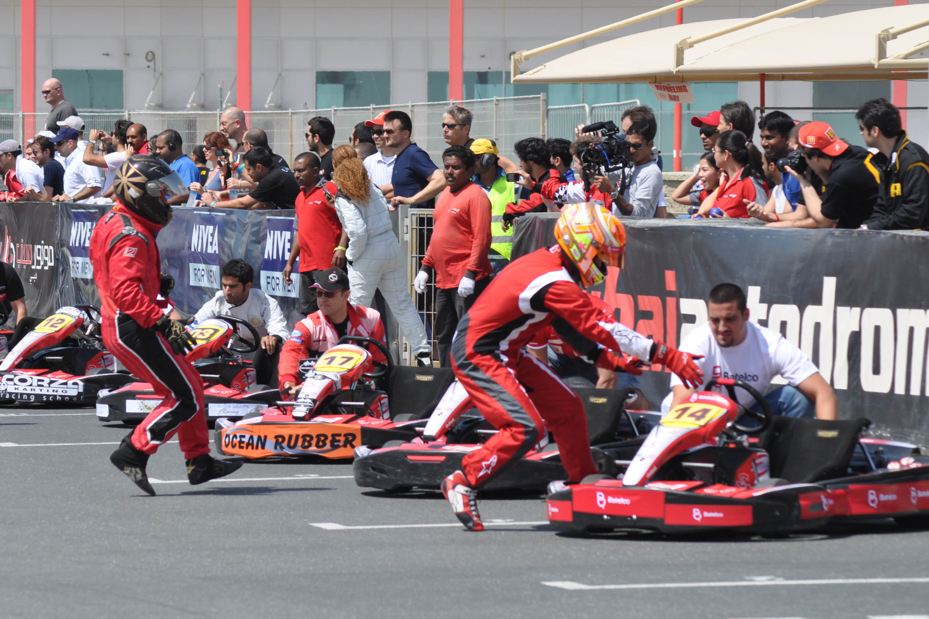 24hrs Karting: Batelco take early lead of motorcity 24 Hours at the Dubai Kartdrome