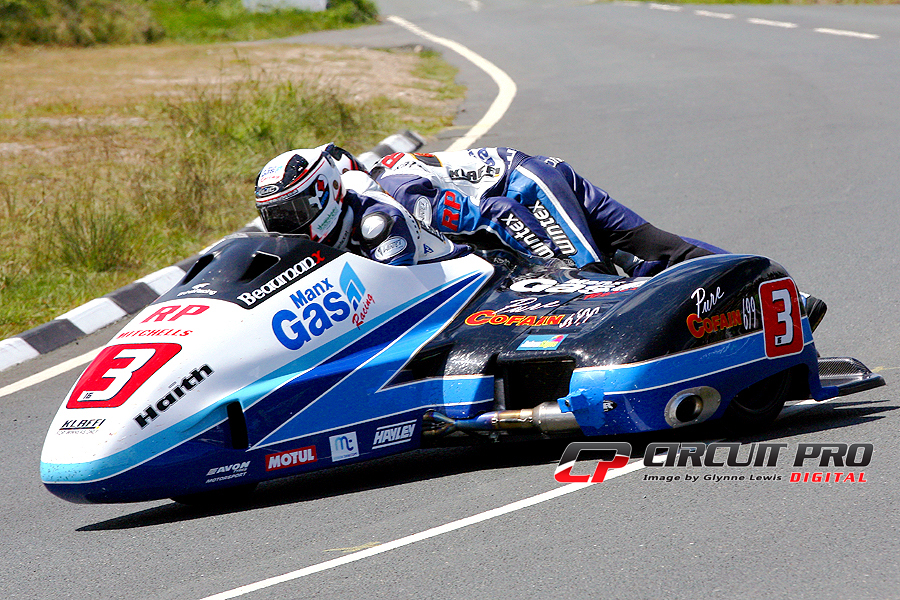 Isle of Man 2015 TT: Sidecar race two report