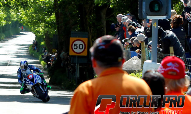 Isle of Man TT: Second win for Hutchinson in Superstock race
