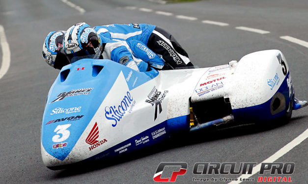 IOM: Sidecar race one TT 2016 – Holden & Winkle prosper in race of attrition