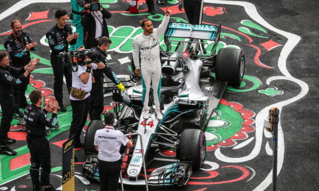 F1: Lewis Hamilton lifts his fifth World Championship in Mexico