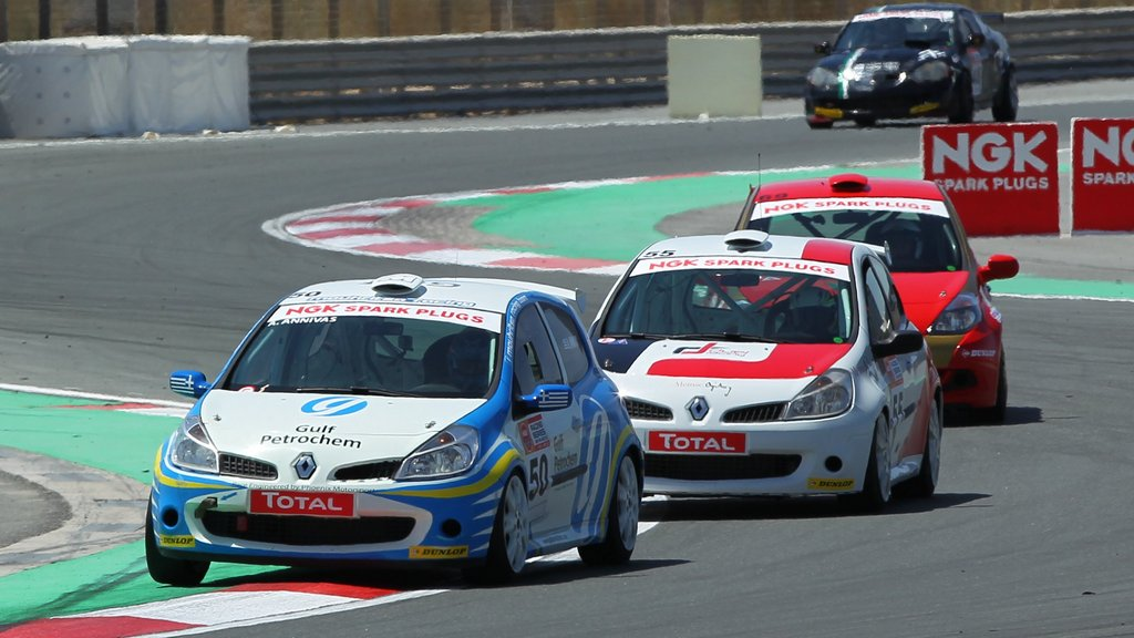 Dubai: Two titles up for grabs – Class 2 Touring Car Championship and Clio Cup – in season finale at Dubai Autodrome